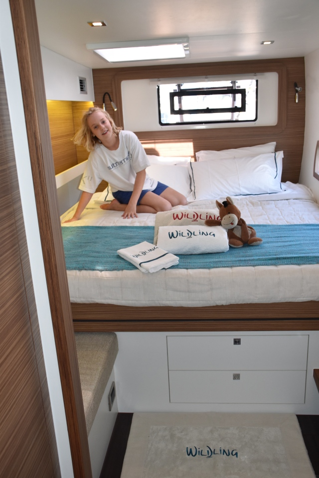 All our bed and bath linens arrived from Analu, and the look great! Lindsay and Donkey put the finishing touches on the master cabin.